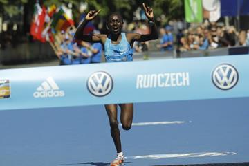Bornes Jepkirui Kitur en route to her win at the Prague Marathon (Organisers)