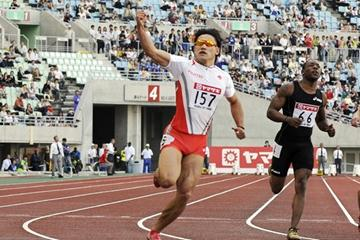 Japan's Naoki Tsukahara wins the 100m in Osaka (Getty Images/AFP)