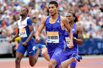 Wayde van Niekerk at the 2015 IAAF Diamond League meeting in London (Kirby Lee)