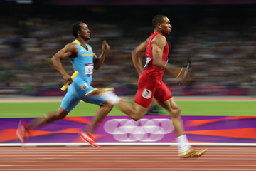 Chris Brown runs the first leg for The Bahamas, the eventual winners, in the 4x400m at the London 2012 Olympics (Getty Images)