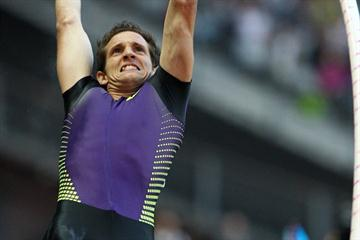 The fan favourite in Paris - Renaud Lavillenie (Errol Anderson)