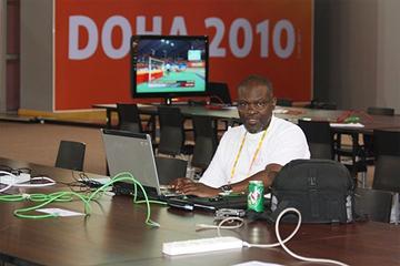 Mark Ouma ()