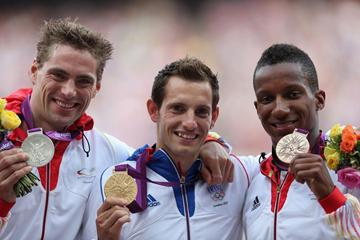 Silver medalist Bjorn Otto of Germany, gold medalist Renaud Lavillenie of France and bronze medalist Raphael Holzdeppe of Germany pose on the podium during the medal ceremony for the Men's Pole Vault  of the London 2012 Olympic Games on August 11, 2012  (Getty Images)