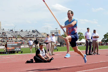 Renaud Lavillenie in the pole vault at the Texas Relays (Kirby Lee)