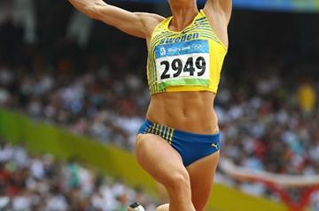 After failing to make the triple jump final, Carolina Kluft qualifies easily for the long jump final (Getty Images)