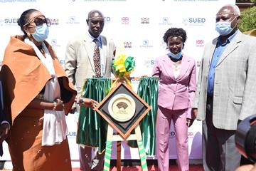 Kenya's Sports Cabinet Secretary Amina Mohamed, Moses Kiptanui, Mary Keitany and Athletics Kenya President Jackson Tuwei (Jared Nyataya)