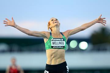Eloise Wellings winning the 2015 Zatopek:10 (Getty Images)