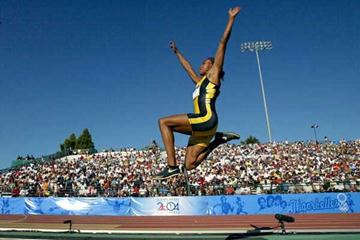 Marion Jones leaps to 7.11 - US Trials (Getty Images)