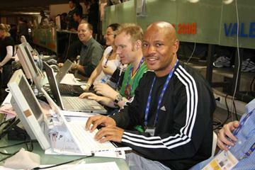Maurice Greene blogging in Valencia (Bob Ramsak)