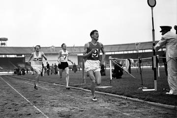 Hungarian middle-distance runner Laszlo Tabori on 22 May 1955 in London, becomes the third man in history to run sub-four minutes for the mile (Associated Press)