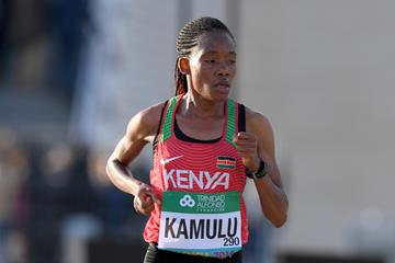 Pauline Kamulu en route to her third-place finish in Valencia (Jiro Mochizuki)