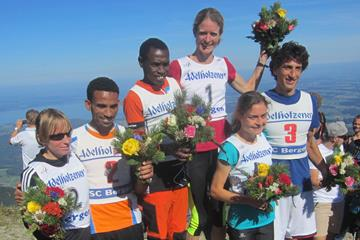 The top three competitors in men's and women's races at the 2016 edition of the Hochfellnberglauf in Bergen (Organisers)