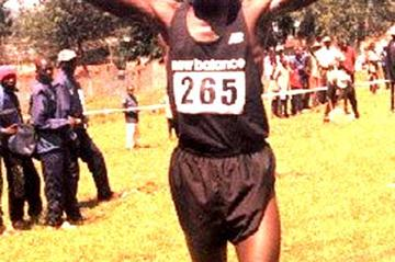 Douglas Mumanyi wins the 12km senior men's race at the fourth AK weekend meeting in Kisii (O. Okoth)