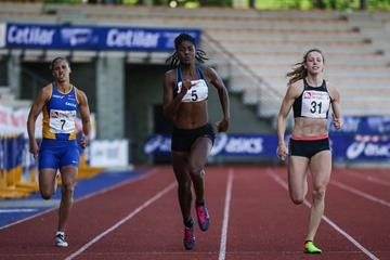 From left: Crystiane Barroso, Tamara de Sousa and Noor Vidts of Belgium in the Multistars 200m (organisers)