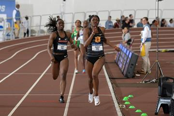 Kendall Ellis on the way to her 50.34 Area 400m indoor record at the NCAA Indoor Championships (Kirby Lee)