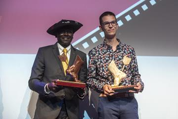 Paul Tergat with Mario Casado, winner of the U23 Mobile Film competition (Getty Images)