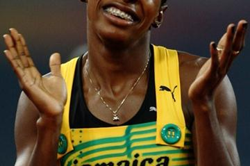 Melaine Walker wins the women's 400m hurdles with an Olympic record (Getty Images)