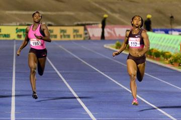 Shelly-Ann Fraser-Pryce (right) winning the 200m at the 2013 Jamaican Championships (Anthony Foster)