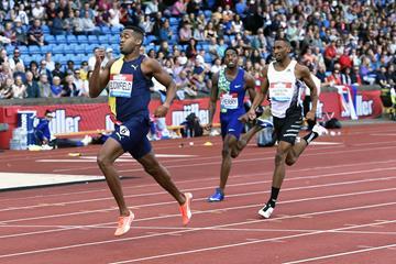 Akeem Bloomfield en route to his 400m win at the IAAF Diamond League meeting in Birmingham (Mark Shearman)