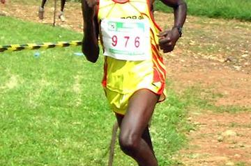 Thomas Kosgei on his way to winning the 2006 Fluorspar 10K (David Macharia)