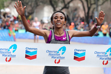 Meskerem Assefa wins the Houston Marathon (Victah Sailer / organisers)