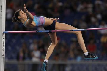 Maria Lasitskene topping 2.00m in the high jump at the IAAF Diamond League meeting in Rome (Jean Pierre Durand)