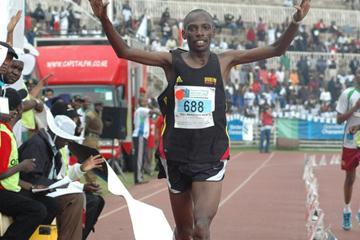 Samson Kikwei Tuiyange takes the win in Nairobi (Peter Njenga)