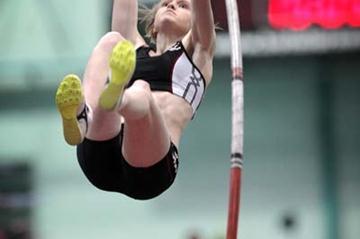 Minna Nikkanen vaults a Finnish indoor record in Vaasa (Mika Kanerva)