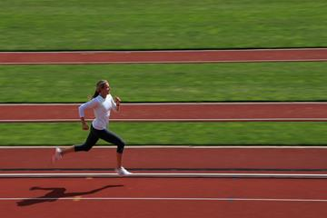 Brianne Theisen Eaton training Canada ()