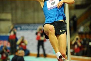Ivan Ukhov jumping at the 2008 Russian Winter meeting in Moscow (Jiro Mochizuki (Agence Shot))