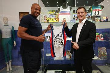 Mike Powell with IAAF Continental Cup Ostrava 2018 CEO Valter Bocek (Pavel Lebeda)