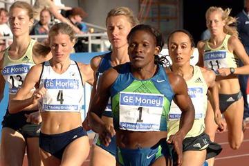 Maria Mutola (1:58.72) a comfortable win in Helsinki (Hasse Sjögren)