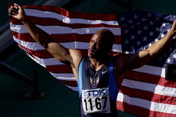 Maurice Greene after winning the 100m at the 2001 IAAF World Championships in Edmonton (Getty Images)