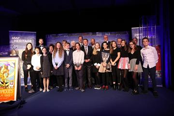 Kids of Charles III College with the Heritage Legends and Seb Coe (Giancarlo Colombo for the IAAF)