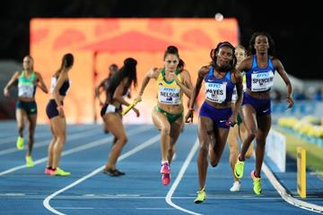 Quanera Hayes takes the baton in the 4x400m at the IAAF/BTC World Relays Bahamas 2017 (Getty Images)
