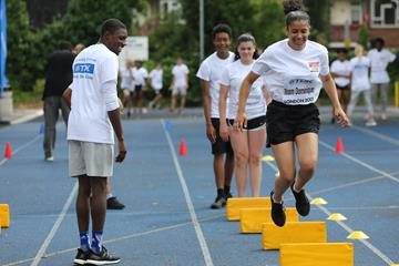 Noah Lyles leading drills at a Rising Stars Clinic in London (organisers)