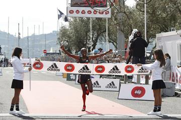 Sammy Kitwara wins the 2016 EDP Lisbon Half Marathon (Organisers)