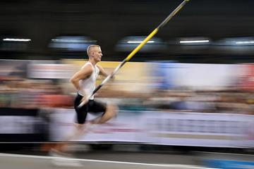Sam Kendricks in action in the pole vault (AFP / Getty Images)
