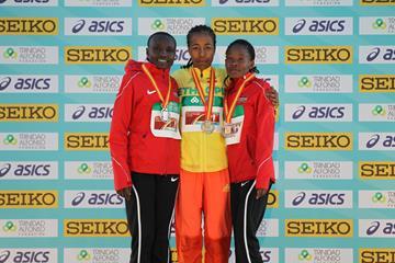 Women's Valencia podium: Silver medallist Joyciline Jepkosgei, winner Netsanet Gudeta, bronze medallist Pauline Kamulu (Jean-Pierre Durand)