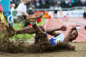 Russia's Lyukman Adams in action in the triple jump (AFP / Getty Images)
