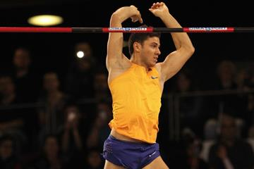 Thiago Braz, winner of the pole vault in Rouen (Jean-Pierre Durand)