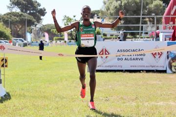 Thierry Ndikumwenayo wins the Almond Blossom Cross Country in Albufeira (Organisers)