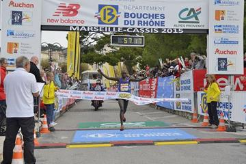 Edwin Kipyego wins the 2015 Marseille-Cassis 20km (Michel Fisquet)