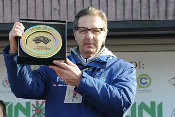 Giuseppe Gallo Stampino, the president of Unione Sportiva San Vittore Olona, with the WA Heritage Plaque (WA Heritage)