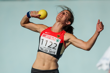 Johanna Siebler in the heptathlon shot (Getty Images)