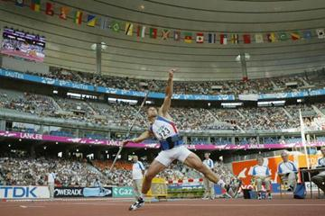 Roman Sebrle in action in the javelin of the decathlon (Getty Images)