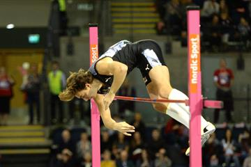 Armand Duplantis scales a world record 6.18m in Glasgow (Getty Images)