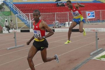 Gari Robi and Legese Lemiso in the steeplechase at the 2011 Addis Ababa Champs (Bizuayehu Wagaw)
