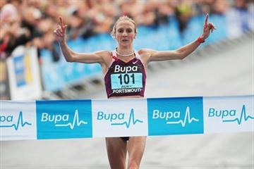 Paula Radcliffe winning the 2008 Bupa Great South Run (Great Run/Peter Langdown)