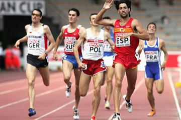 Antonio Reina of Spain celebrates winning the 800m in Florence (Getty Images)